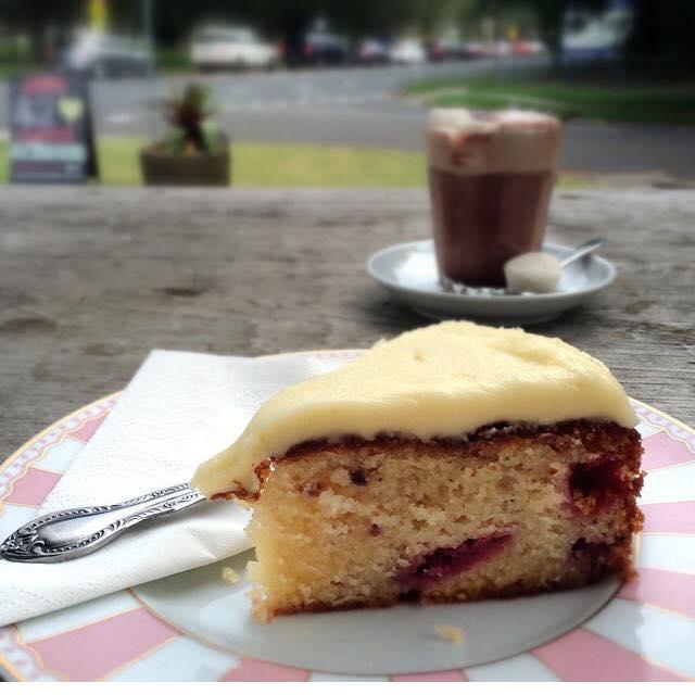 Raspberry & Yoghurt Cake Slice